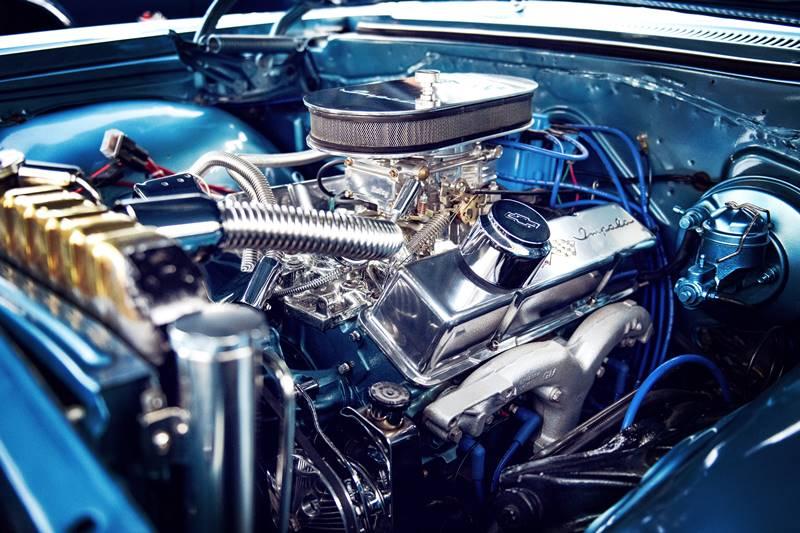 効果あり?エンジンオイル添加剤を11万キロ超えのノア(AZR60G)に注入。